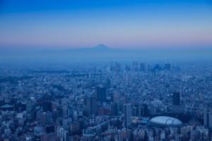 東京ドーム 新宿 富士山 朝靄